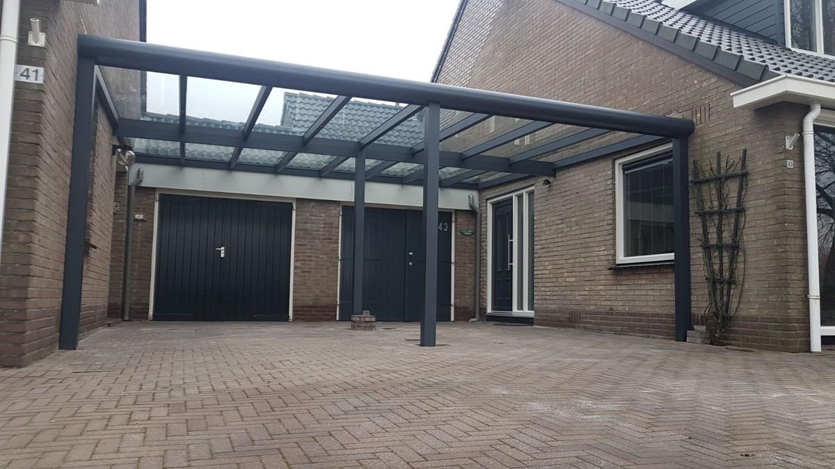 Alufox Carport Dubbel voor gezamelijk gebruik tussen 2 woningen