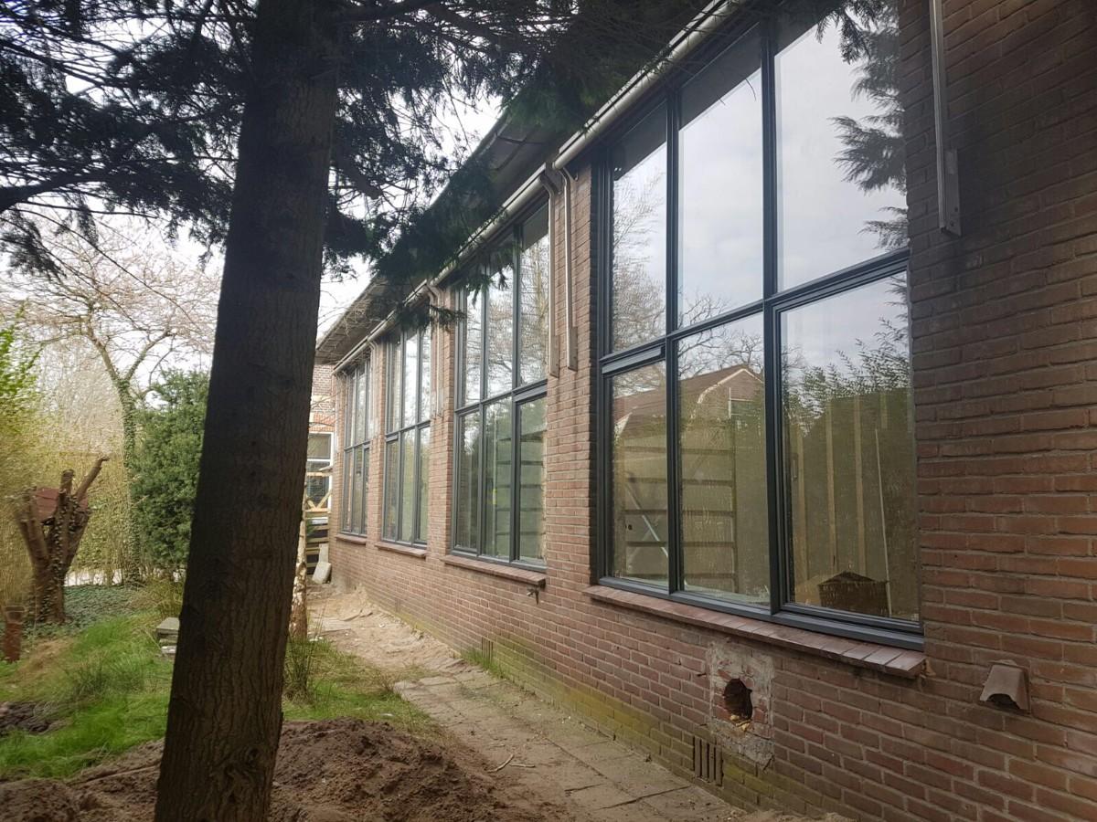 Alufox Kozijnen Schoolgebouw Antraciet Grijs