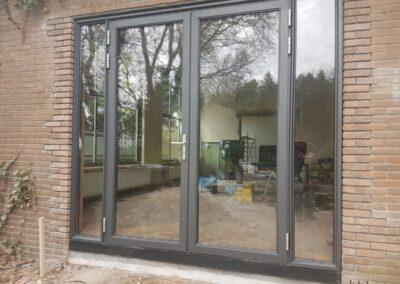 Alufox Kozijnen met glazen openslaande deuren