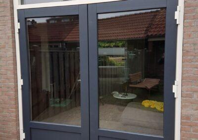 Alufox Kozijnen met uitslaande deuren